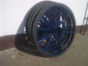Železná pogumovaná kola